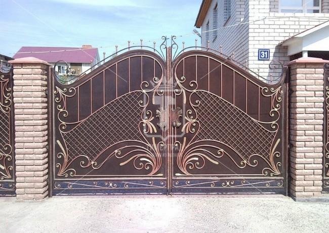 Металлические ворота с сеткой (Арт. 036)