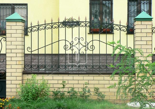Забор с часто встречающимся центральным узором (Арт. 038)