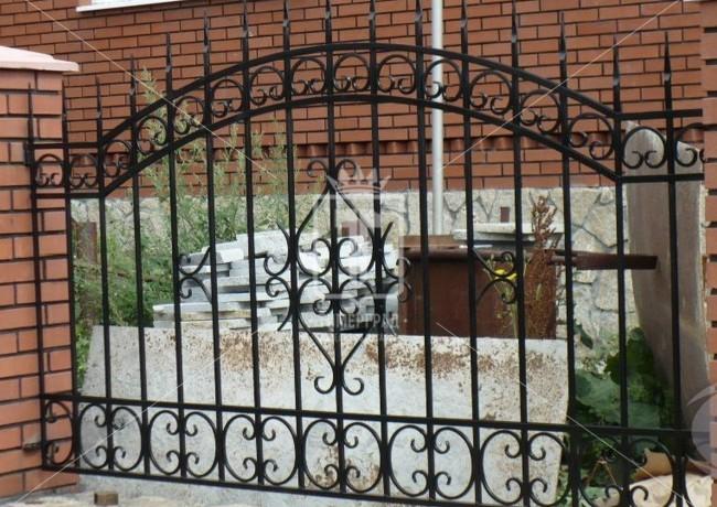 Забор с каркасом из квадратного профиля (Арт. 044)