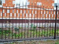 Забор с пиками и простыми ажурными узорами (Арт. 001)