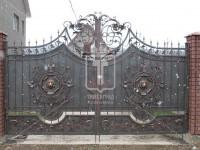 Металлические ажурные ворота с головами львов (Арт. 034)