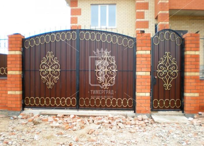 Распашные ворота с изящным узором (Арт. 007)