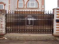 Простой забор с кольцами и подковами (Арт. 023)