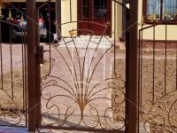 Калитка с центральным лучевым рисунком в стиль ворот и забора (Арт. 011)