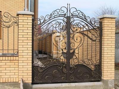 Ажурные ворота с элементами, напоминающими волны (Арт. 035)