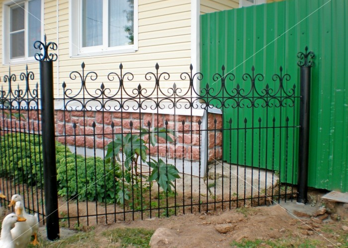 Забор с барашками и частоколом пик (Арт. 005)