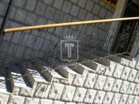 Черные перила с деревянным поручнем (Арт. 035)