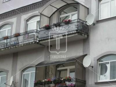 Козырьки для балкона с закрытыми боками (Арт. 060)
