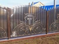 Забор с узором, похожим на хвост павлина (Арт. 006)