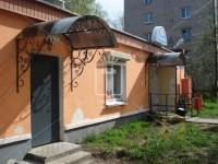 Козырек с крупным ажурным рисунком перед входом (Арт. 011)