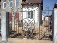 Забор с центральным и угловыми узорами (Арт. 017)
