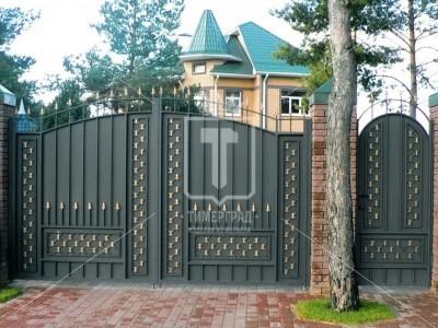 Ворота металлические с листом и штампованными пиками (Арт. 029)