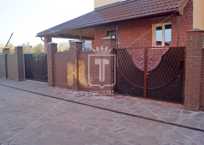 Распашные ворота с «Венецианской сеткой» (Арт. 006)
